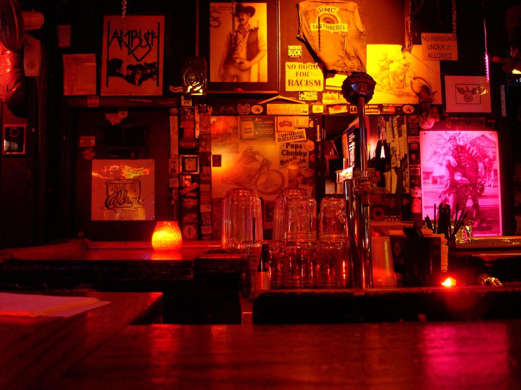 bar de motoqueiros-gays-com-barba-grande - aqui existem sub sub sub nichos   © Felipe Lima/Flickr