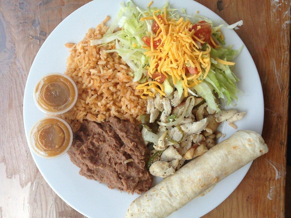 Chicken Fajita Plate at Café Del Sol | Courtesy of Lizzie Chen