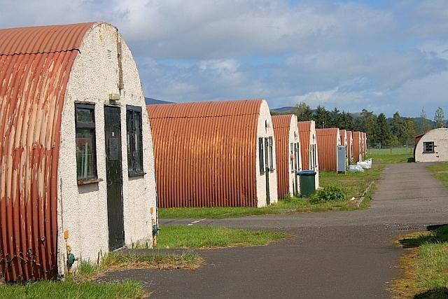 Nissen Huts at Cultybraggan Camp|©Mick Garratt/Geograph.org