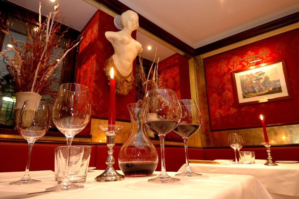 Restaurant's Decoration | Courtesy of Bistrot de Venise