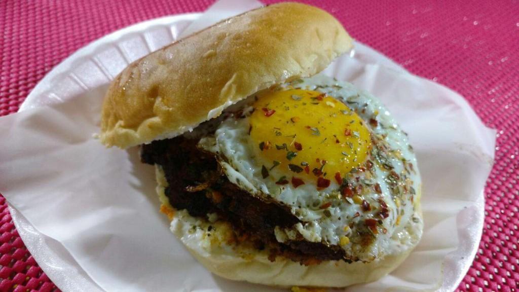 Burgertron burger | © Zomato