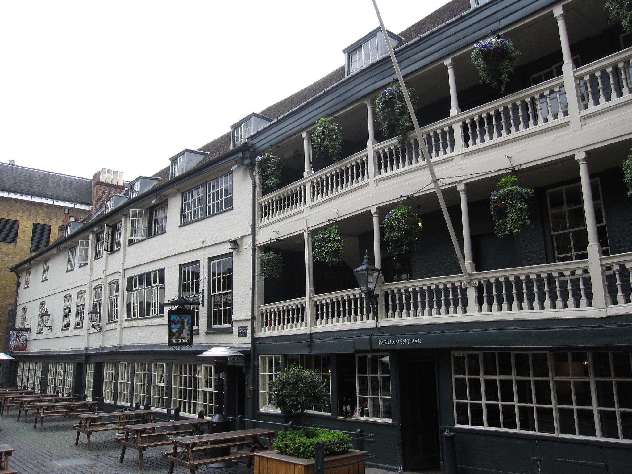 The George Inn, Flickr, © Bernt Rostad