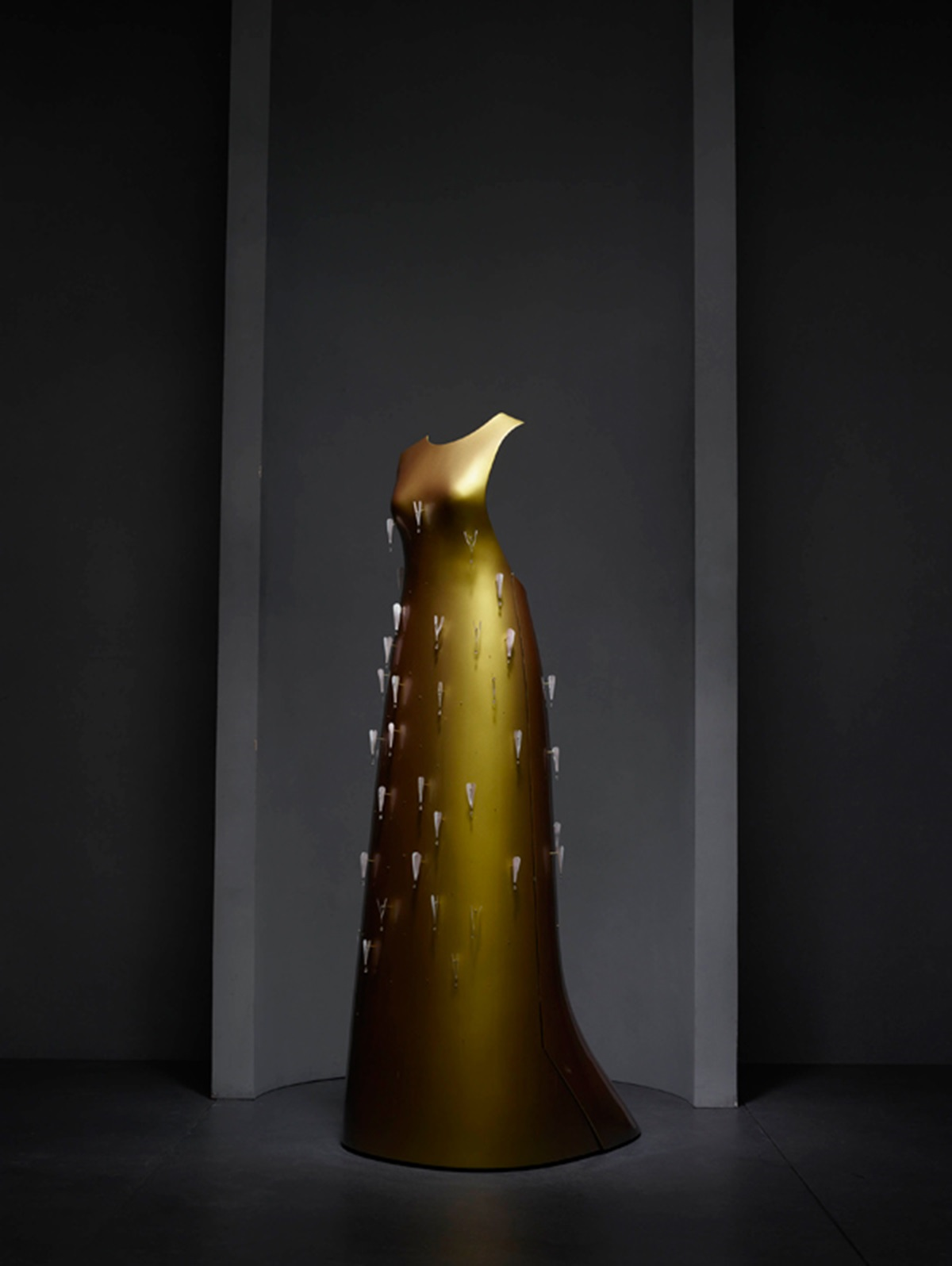 """""""Kaikoku"""" floating dress by Hussein Chalayan in collaboration with Swarovski for the Autumn/Winter 2011-2012 collection 