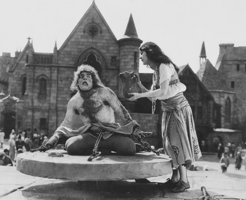 Hunchback of Notre Dame - © Wallace Worsley/Wikicommons