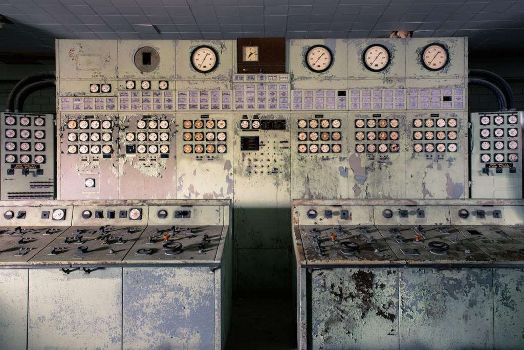Control Room at Hearn Generating Station | © Jonathan Castellino / Courtesy of Luminato