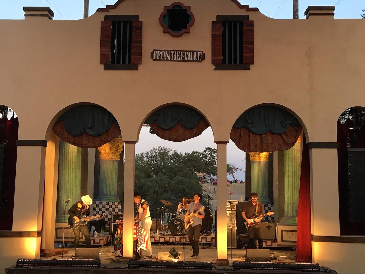 Frontierville Stage | © Brenda Garcia Davidge