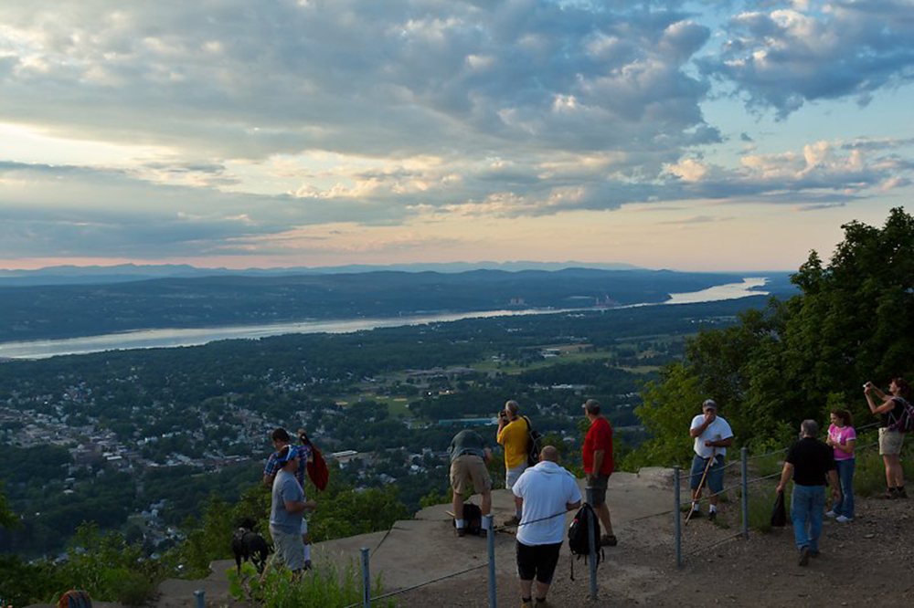 Mount Beacon Observation Deck | Image Courtesy of Robert Rodriguez, Jr.