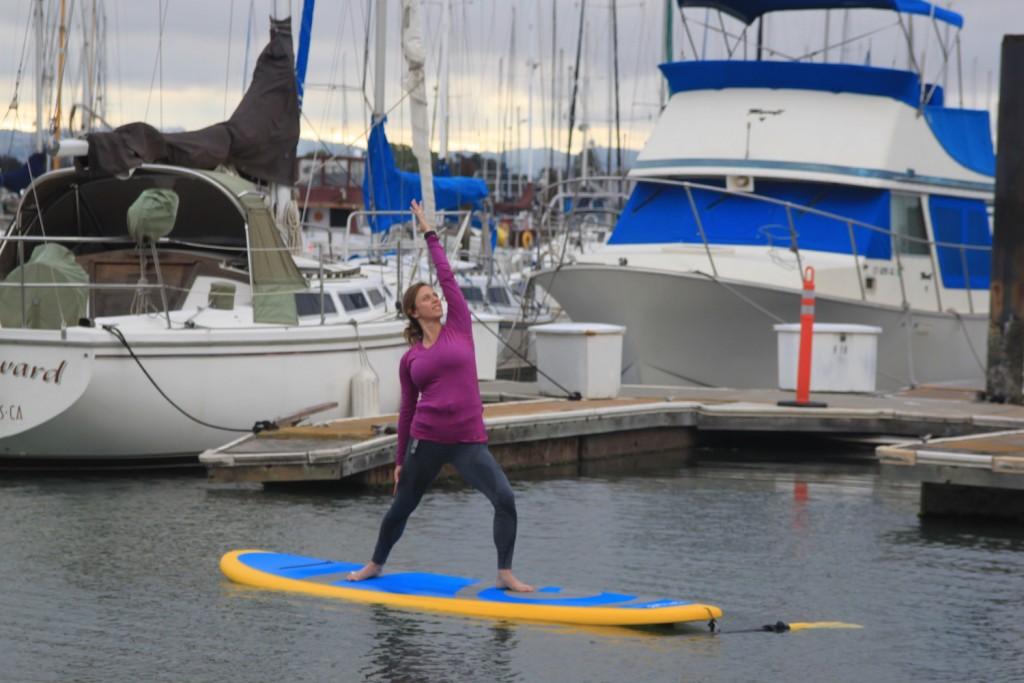 SUP Yoga teacher Sari Gelzer-Stankowski © Courtesy of Mike's Paddle