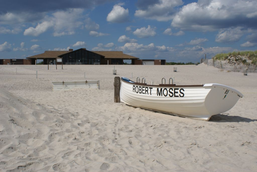 Robert Moses Field 4 Deserted Beach | © Anthony22/WikiCommons