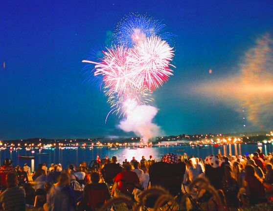 Canada Day fireworks in Barrie, Ontario | © DarrenBaker/Wikicommons