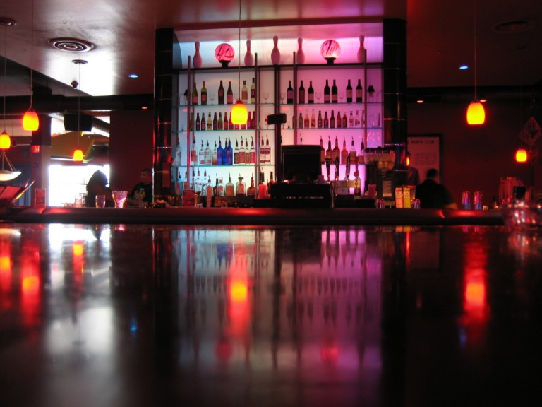 Bar | © Wayne Truong/Flickr