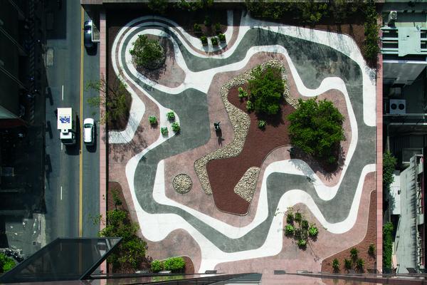Roberto Burle Marx, mineral roof garden, Banco Safra headquarters, São Paulo, 1983 | © Leonardo Finotti