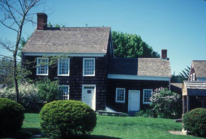 WALT WHITMAN HOUSE | © JERRYE & ROY KLOTZ MD/WikiCommons