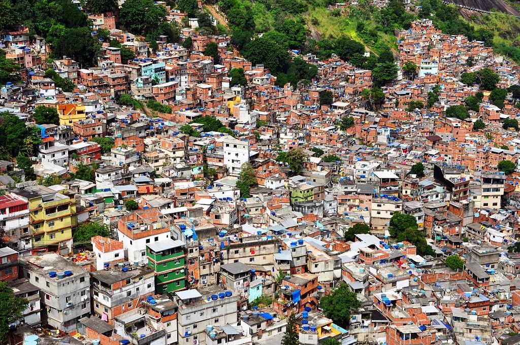 A favela in Rio de Janeiro |© Chensiyuan/WikiCommons