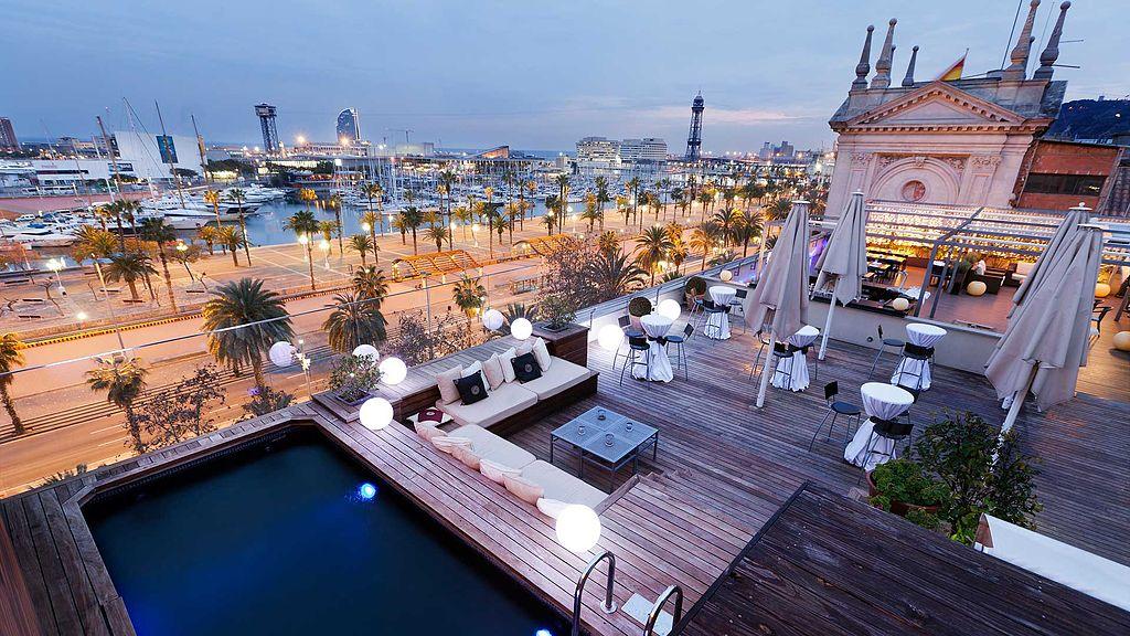 Terrace of the Hotel Duquesa de Cardona | ©Hotel Duquesa de Cardona Barcelona / WikiCommons