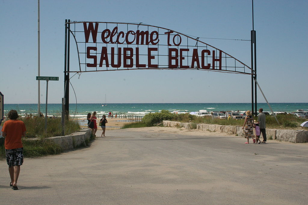 Entry to Sauble Beach | © Pyzote/WikiCommons