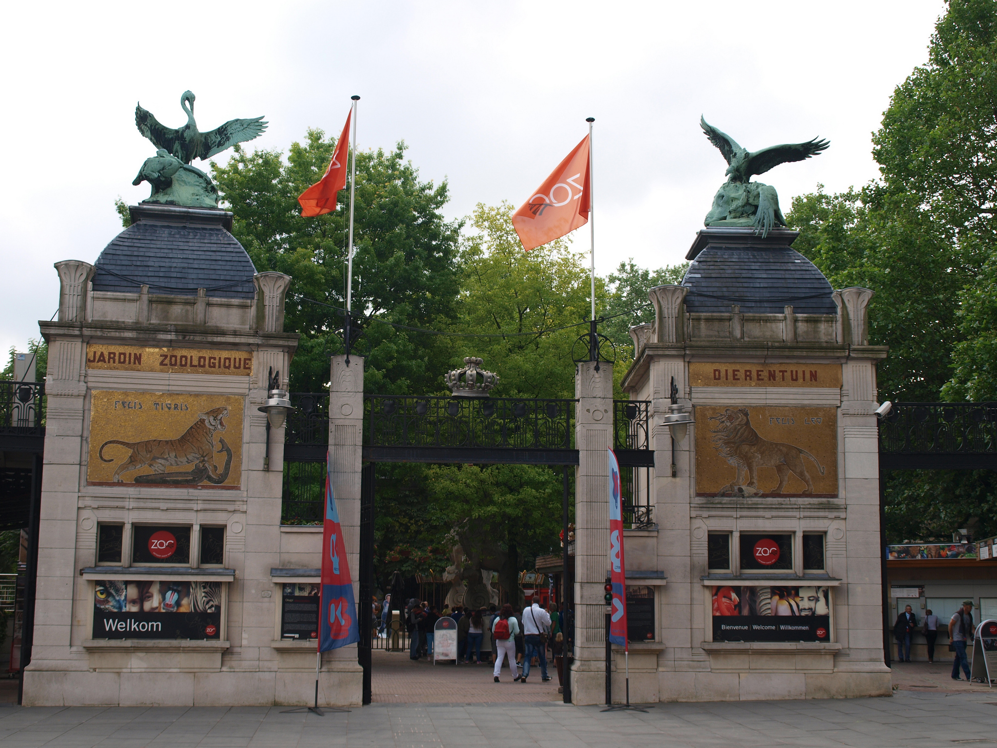 The entrance gate to the Antwerp Zoo, one of Europe's oldest | © Nigel's Europe & Beyond/Flickr