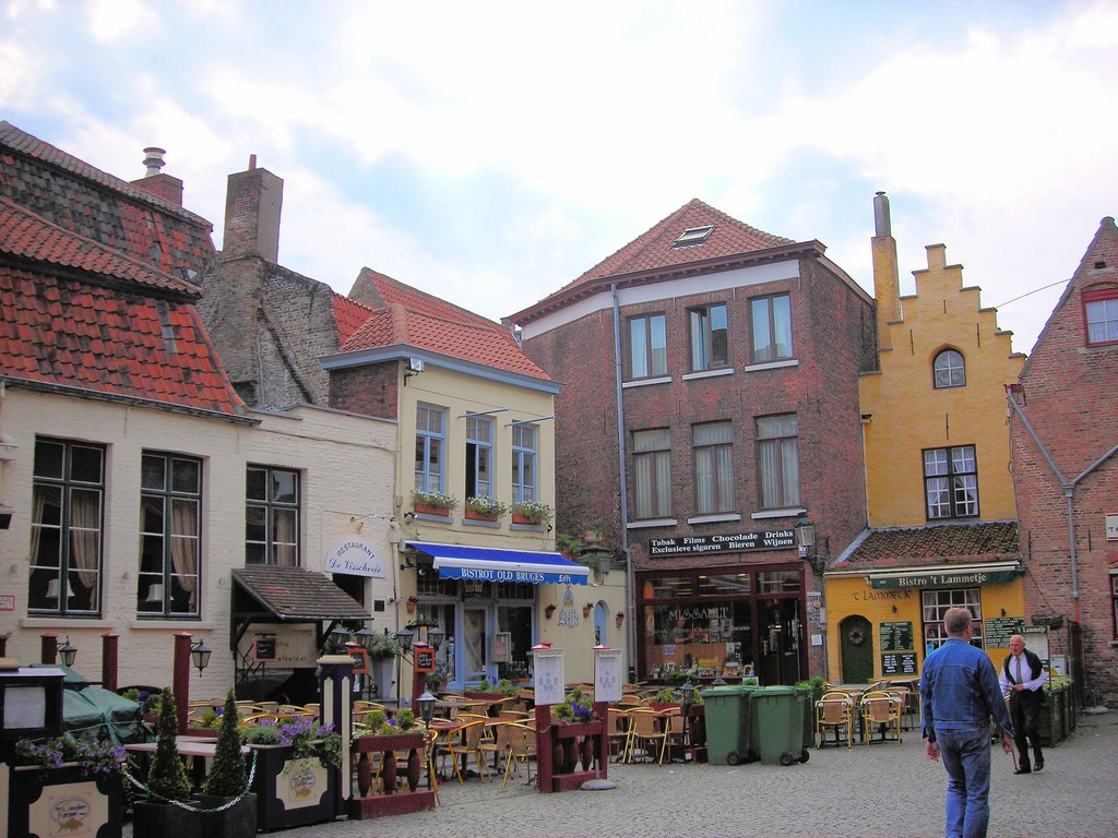 The square where Bruges' tanners used to meet, one of the most idyllic places in Bruges | © Jim Linwood/Flickr