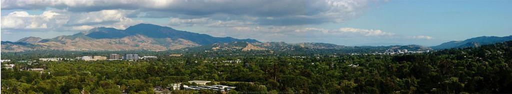 View of Mt. Diablo from Dinosaur Hill   © Leonard G./Wikipedia
