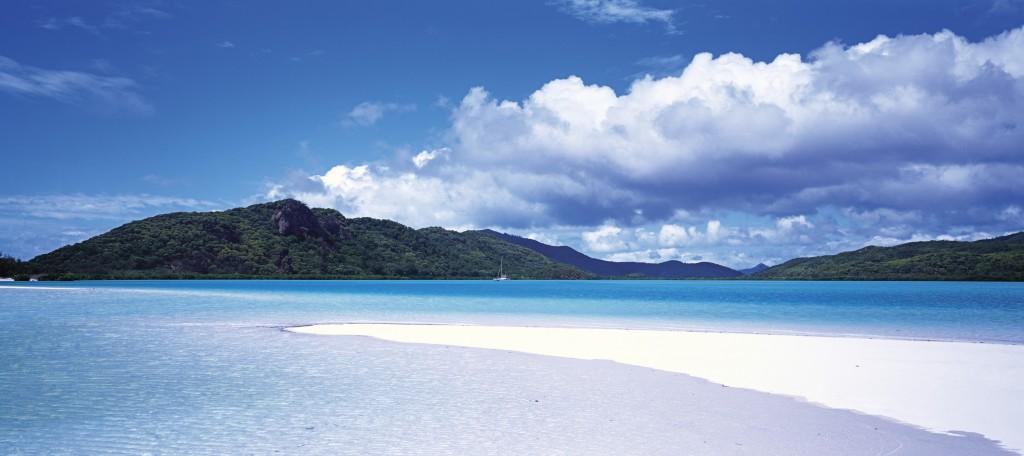 Whitsunday Island, Qld | Courtesy of Tourism Australia © Lincoln Fowler