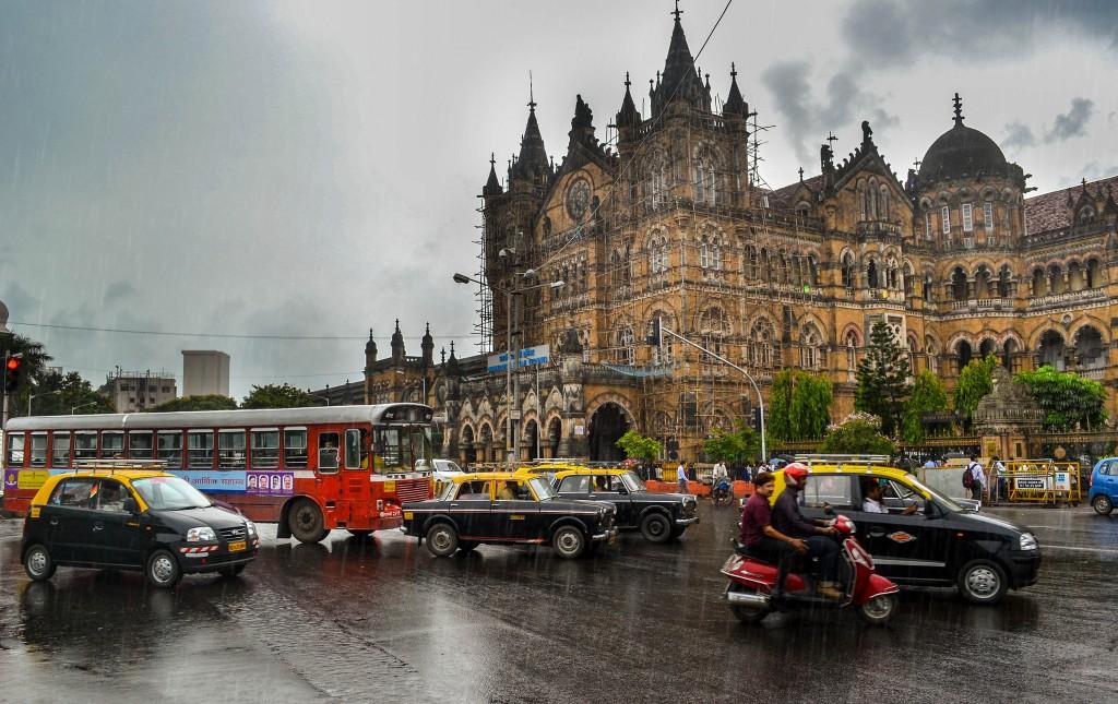 Rainy evenings CST | © Rajarshi Mitra/Flickr