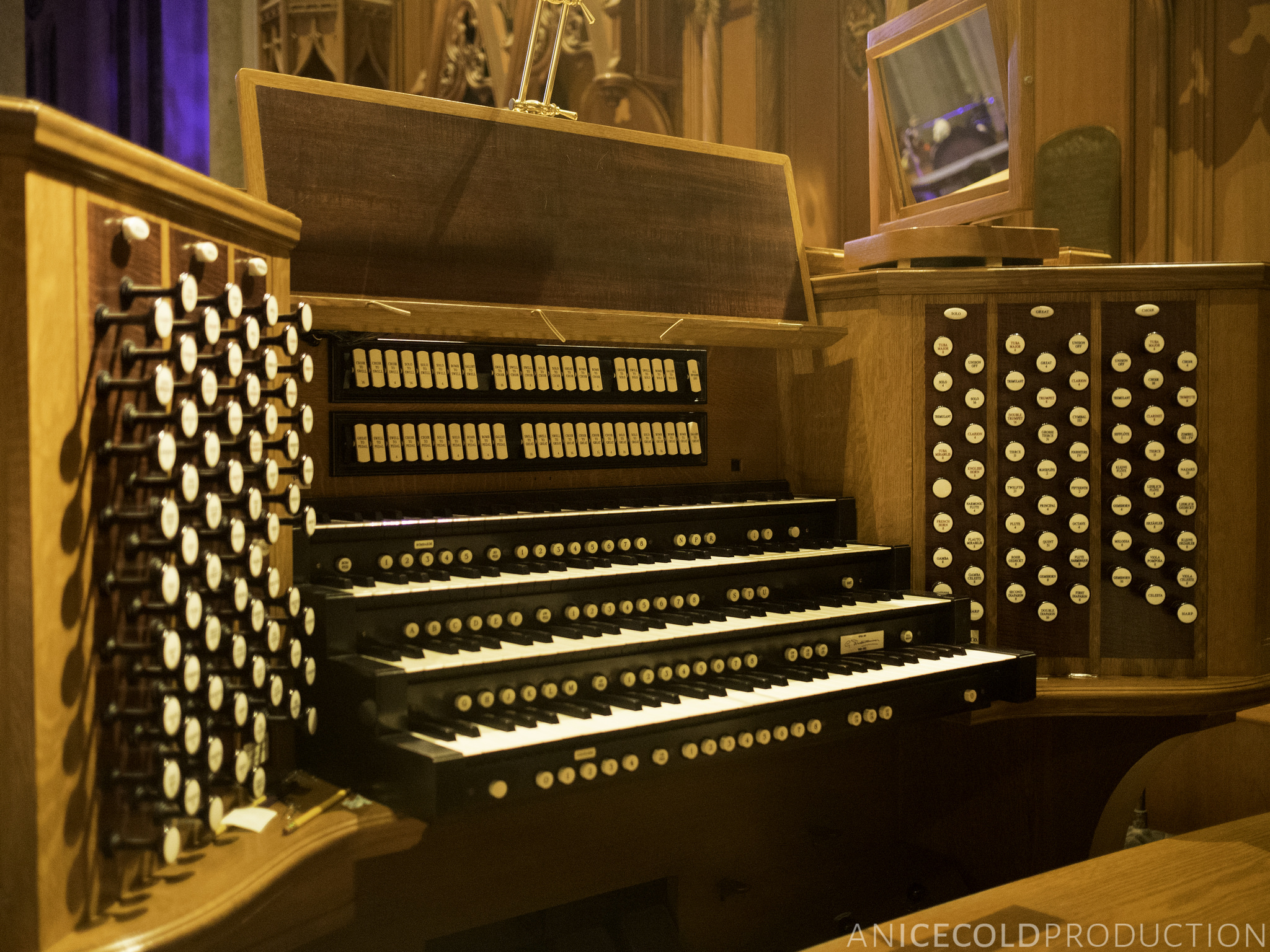 Grace Cathedral organ © Marlon E/Flickr