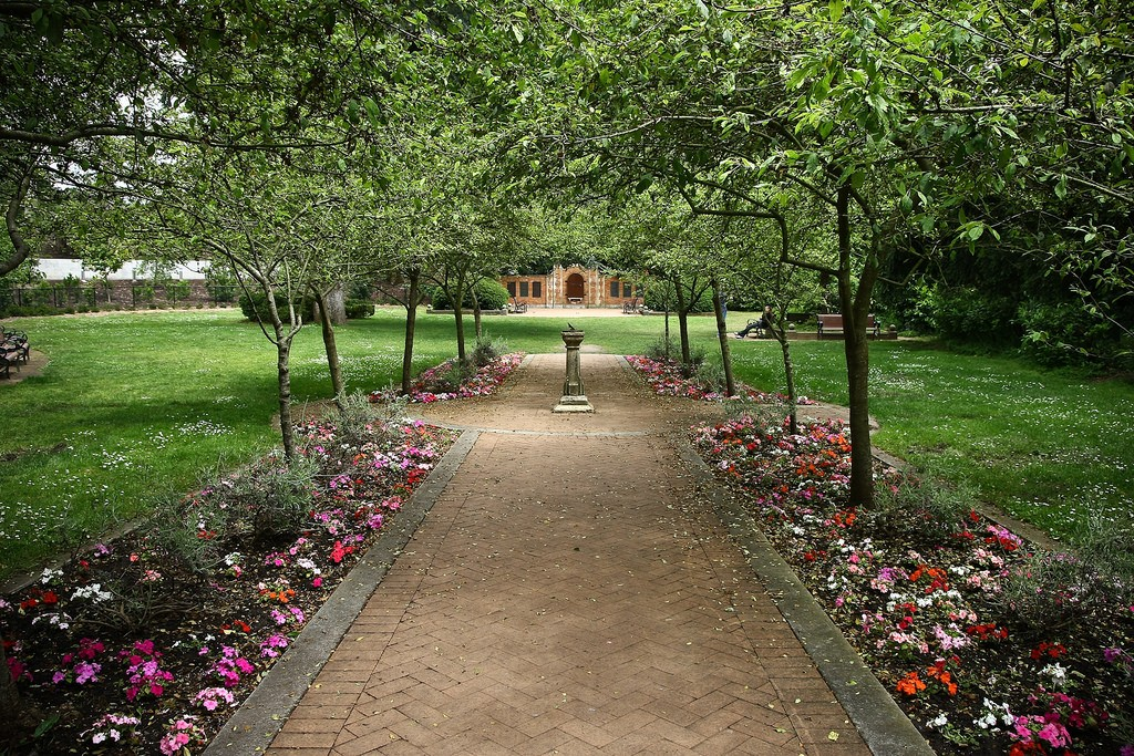 The Shakespeare Garden © James/Flickr