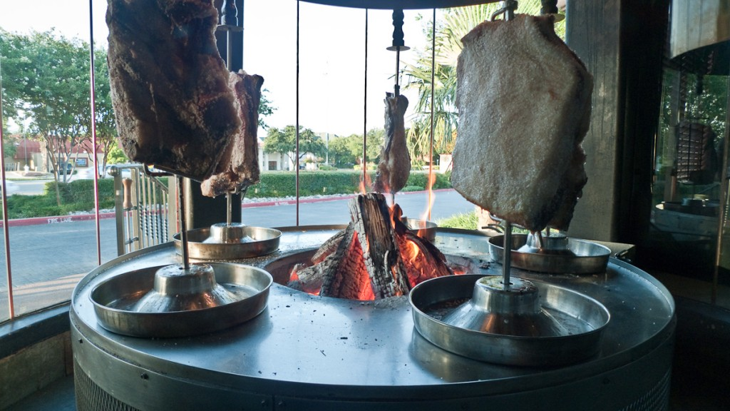 Fogo de Chao meat |©Edsel Little/Flickr