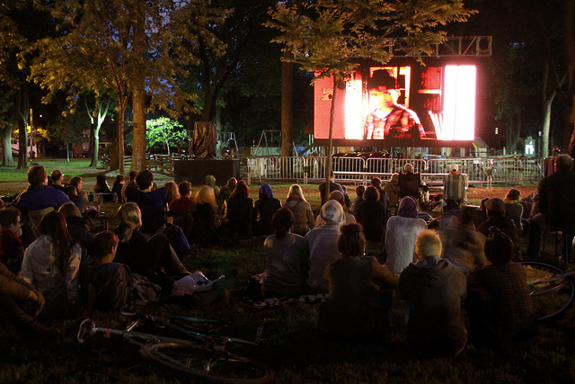 Dufferin Grove Park | © Canadian Film Centre / Flickr