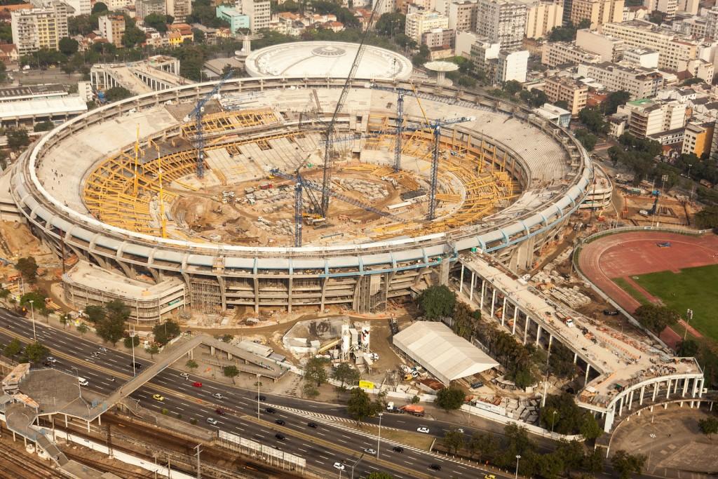 Maracanã undergoing rennovation in 2012 | © copagov/Flickr