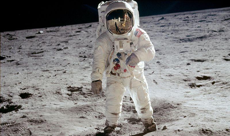 800px-Aldrin_Apollo_11_crop