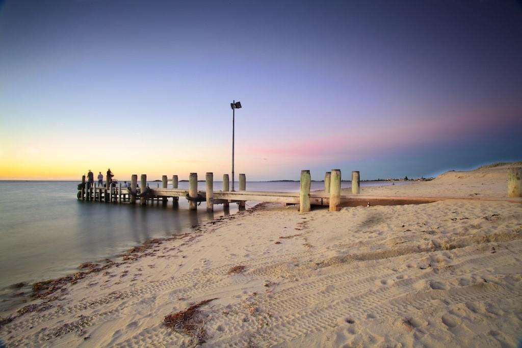 Safety Bay Dock   © Jonathan Mueller / Flickr
