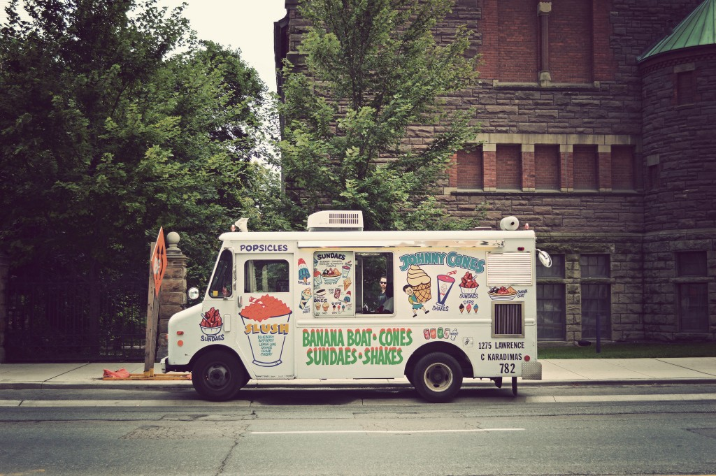 Toronto Food Truck | © Daniel MacDonald / Flickr