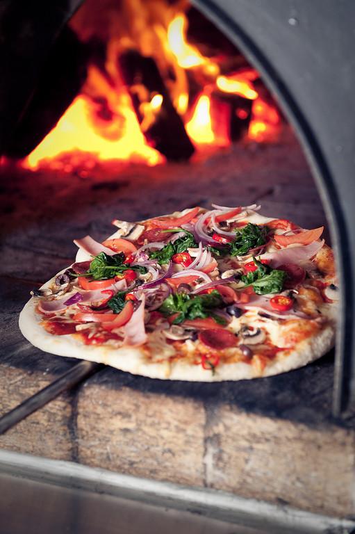 Pizza | Courtesy of Sandrino