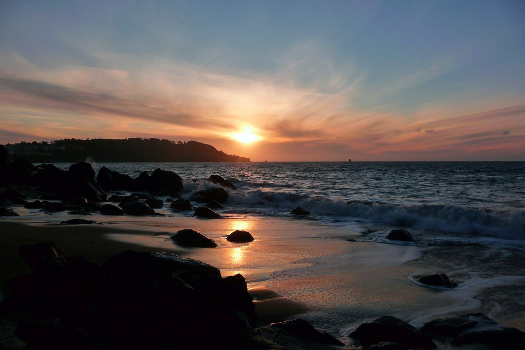 Sunset from Marshall's Beach, off of the Batteries to Bluffs Trail © Brad Coy/Flickr