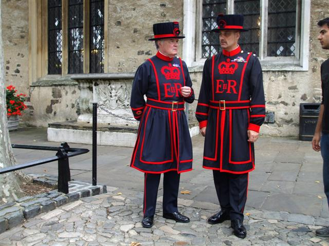 Beefeaters in their 'undress' uniform. | © Kenneth Allen/Geograph.org