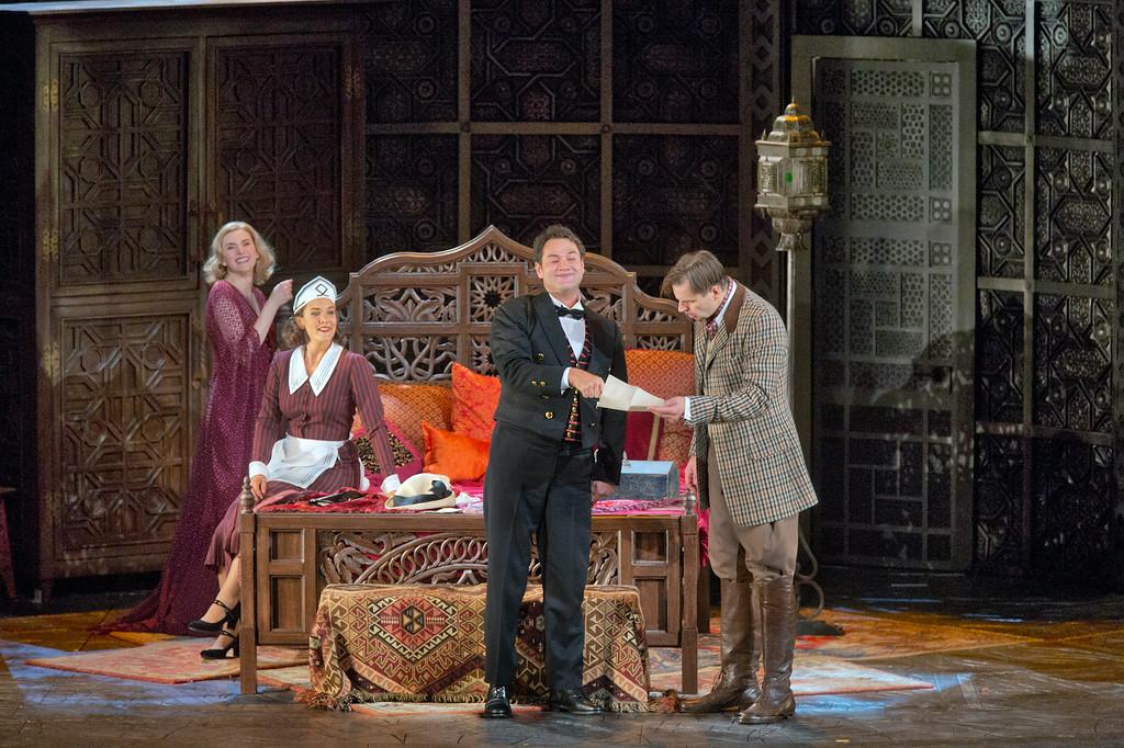 "Figaro: Amanda Majeski as Countess Almaviva, Marlis Petersen as Susanna, Ildar Abdrazakov as Figaro, and Peter Mattei as Count Almaviva in Mozart's ""Le Nozze di Figaro."" | © Ken Howard/Metropolitan Opera"