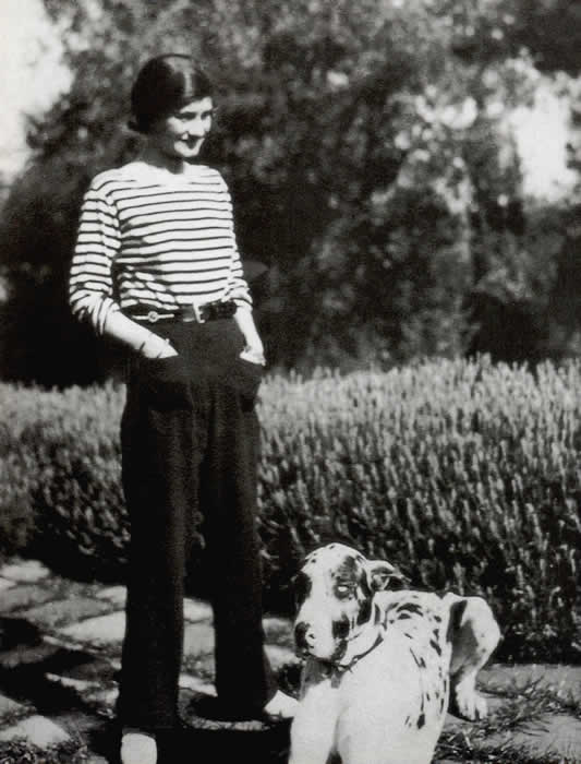 Coco Chanel in trousers, wiki