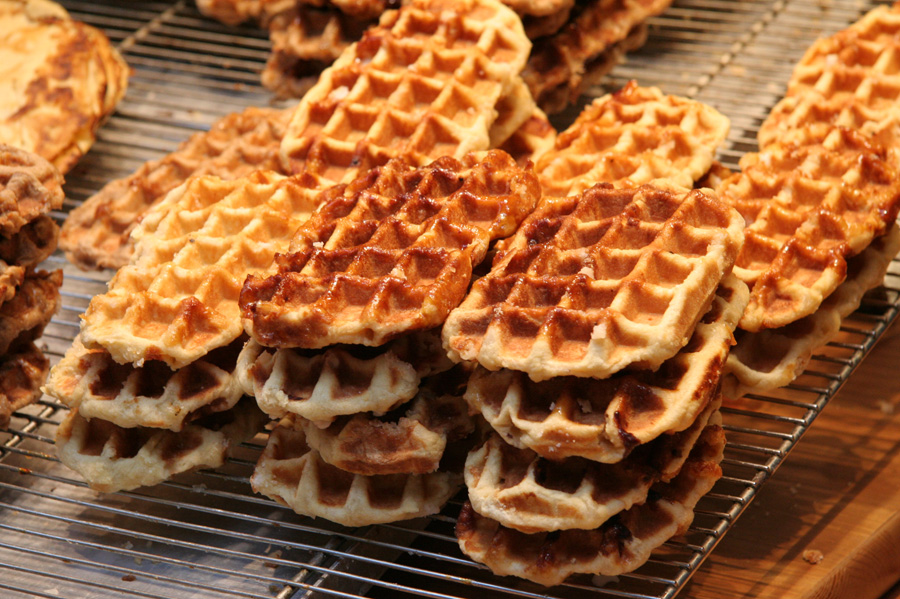 The Liège waffle is much denser and sweeter in comparison with the Brussels one | © Jrenier/Wikimedia Commons