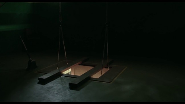Gallows on set | Image Courtesy of James Page Design