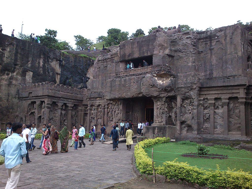 "Kailashnath Temple | <a href=""https://commons.wikimedia.org/wiki/File:Kailashnath_temple_at_ellora_caves.jpg"" target=""_blank"" rel=""noopener"">© Ramkumar TD/WikiCommons</a>"