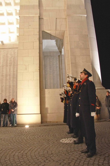 Four local fire men volunteer to sound the Last Post every evening | © Wernervc/Wikimedia Commons