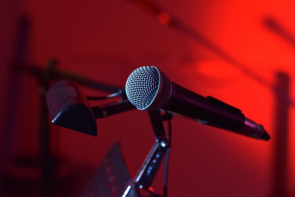 microphone-1080052_1920