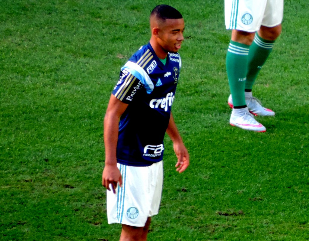 Gabriel Jesus warming up for Palmeiras © commons.wikimedia.org