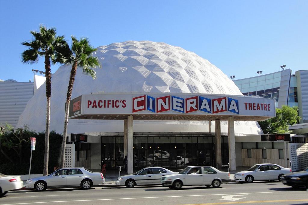 Cinerama Dome © Christopher Paulin/Flickr