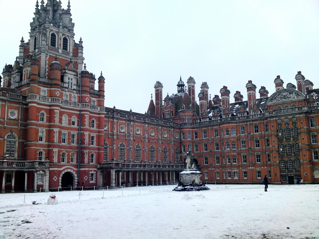 Royal Holloway in the Snow |© Ashley Coates/Flickr