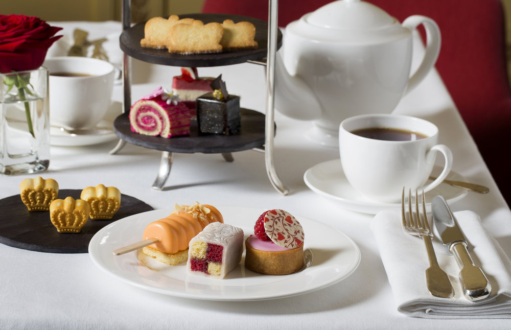 London Royal Tea in the Oscar Wilde bar|Image courtesy of Hotel Cafe Royal