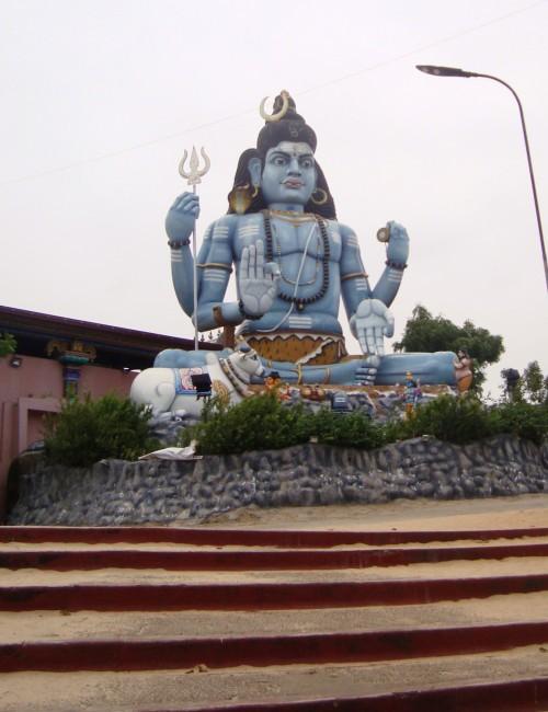Shiva statue at Konneshwaram temple, Trincomalee - photo by Nicole Figueiredo