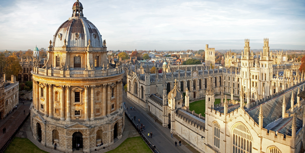 Radcliffe Camera and All Souls College, Oxford University, Oxford, UK | © Skowronek/Shutterstock