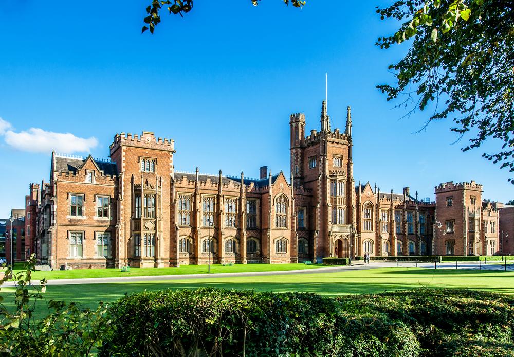 Queens University, Belfast  © Nahlik /Shutterstock